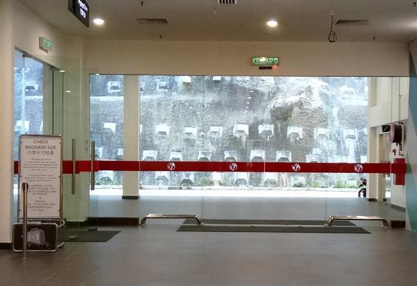 阿娃娜巴士总站出租车等候区