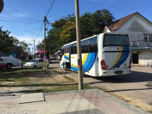 从达丹戎格姆到新加坡的巴士服务