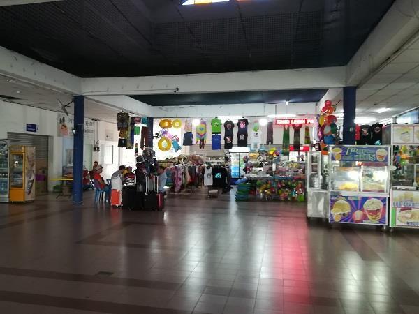 达丹戎格姆码头里的商店