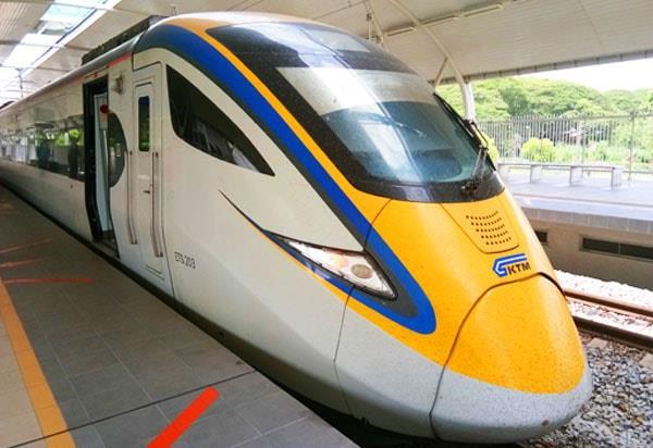 从吉隆坡前往亚罗士打的 ETS 火车